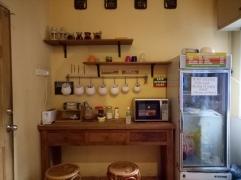 reggae hostel - kitchen area